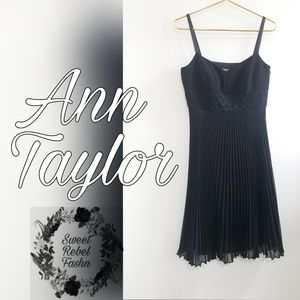 Ann Taylor Black dress size 6 black lace sequins